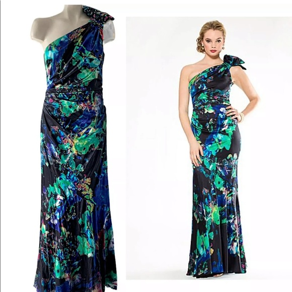 Rickie Freeman for Teri Jon Dresses & Skirts - RICKIE FREEMAN TERI JON STRETCH SILK TRUMPET GOWN